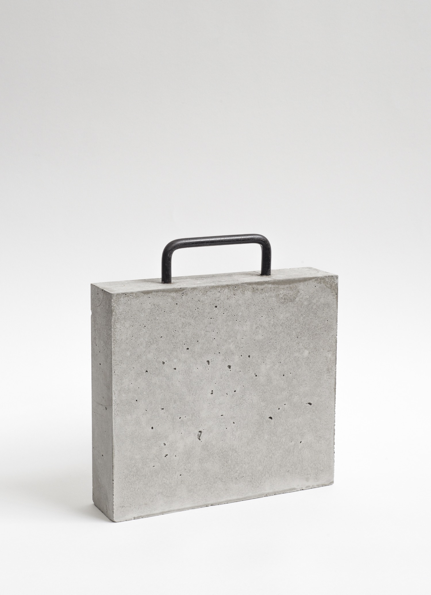 1 Case bag.Beton.Stahl.32,5x30x7.2018